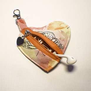 How to Make a Heart Zipper Pouch