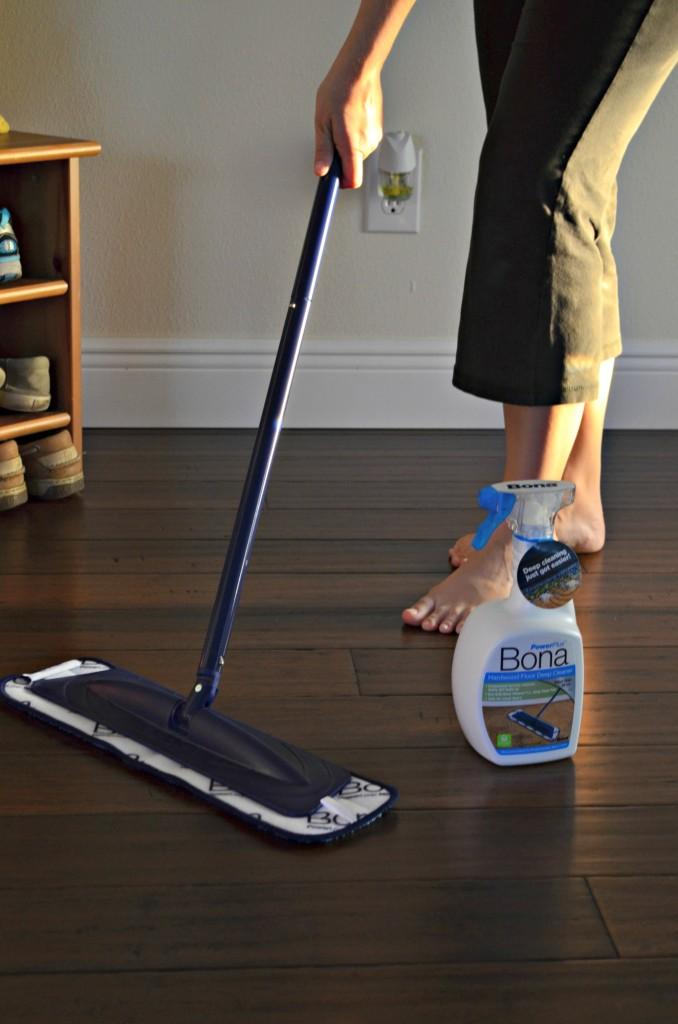 Hardwood Floor Cleaning with Bona PowerPlus  Sew Woodsy