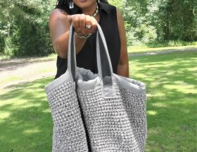 Crochet bag with lining and leather handles www.sewzaizay.com