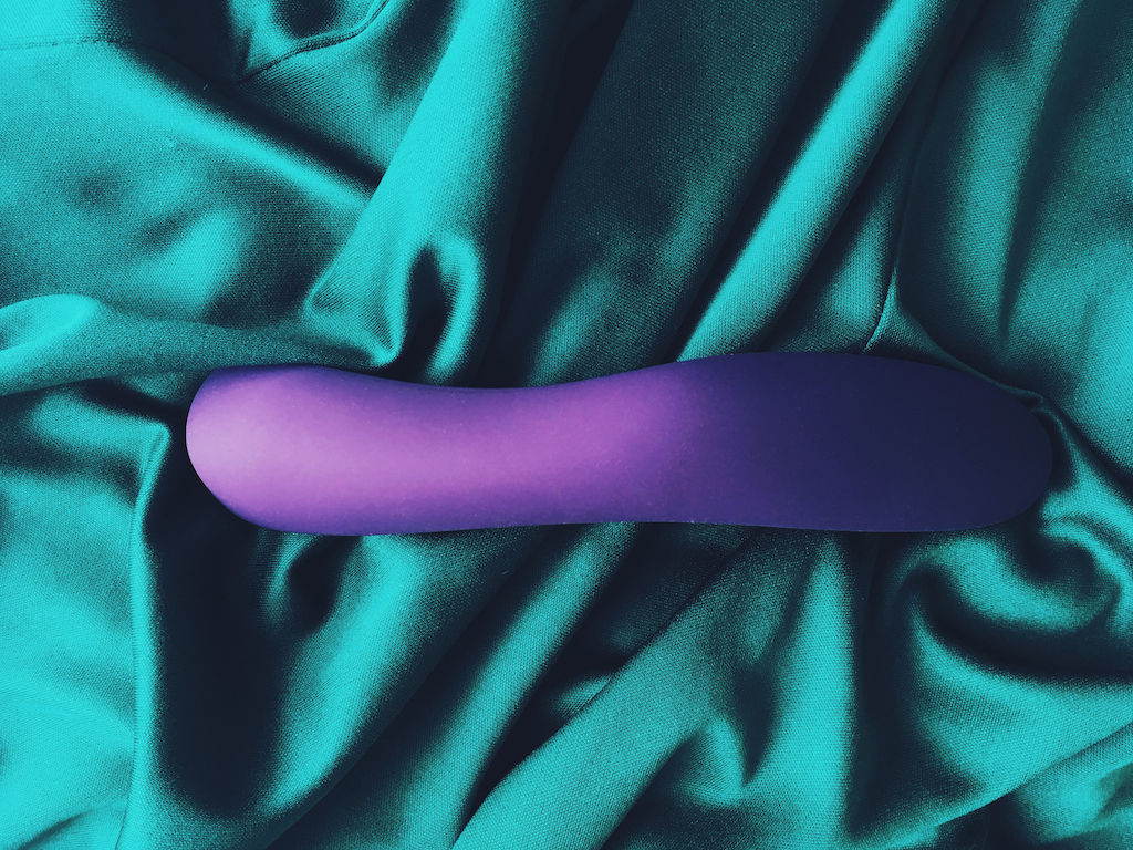 Photo of purple we-vibe rave vibrator from the underneath