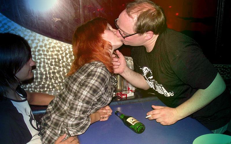 Фото: игра в бутылочку для секса втреом