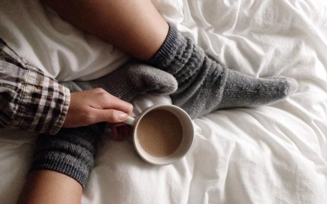 Οι κάλτσες βοηθάνε στον γυναικείο οργασμό