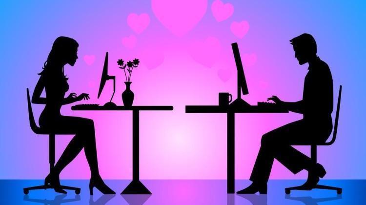 Βρείτε γκόμενα μέσα από dating sites!