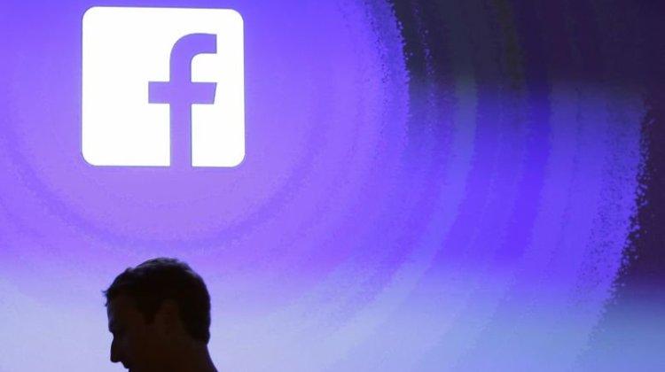 Κογκρέσο καλεί Ζάκερμπεργκ -Ο πρόεδρος του Facebook φορά κοστούμι και ζητά συγγνώμη
