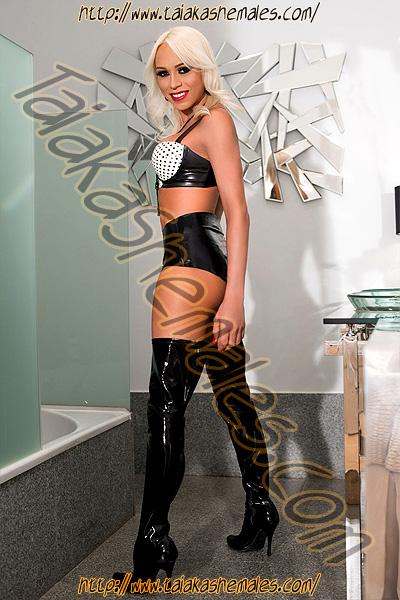 Shemale Escort Shakira Voguel