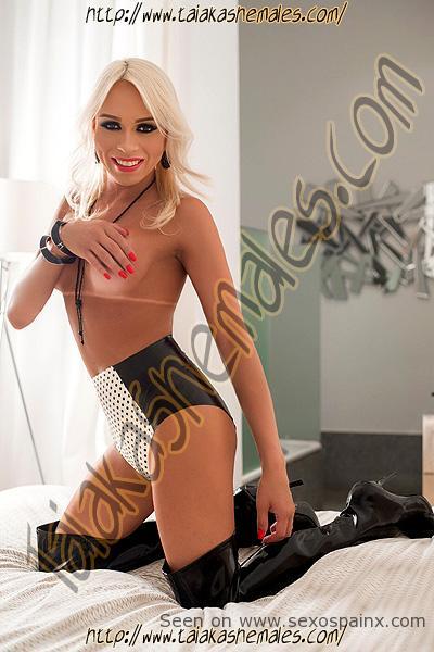 Shakira Voguel muñequita shemale madrid guapa y viciosa