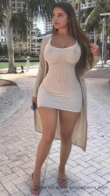 Anastasiya Kvitkoes comparada conKim Kardashian