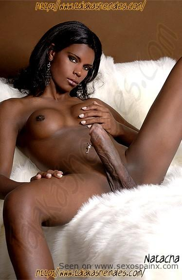 Travesti negra Natacha.
