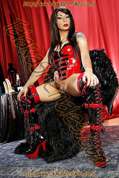 Vicio y fiesta transexual en Zaragoza con travestis con penes duros y enormes.