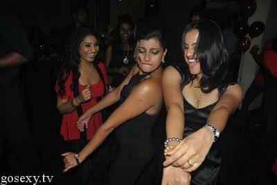 sri lankan girls upskirts