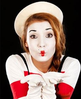 Being a mime artist