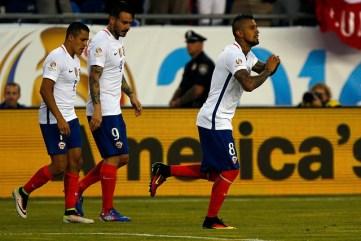 Arturo Vidal, goleador chileno ante Bolvia. (t13.cl)