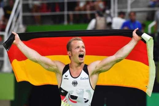 Fabian Hambuechen ganando su preciado título olímpico. Imagen de The Strait Times