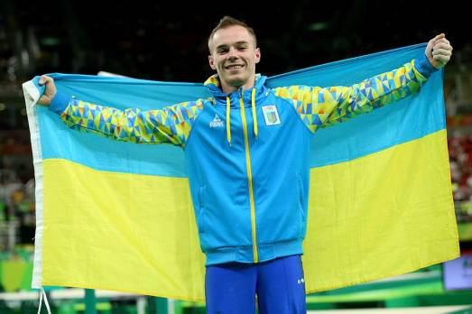 Oleg Verniaiev, oro en paralelas. Imagen Ukranian Law
