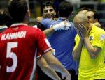 Ari se lamenta mientras Irán celebra el pase a cuartos