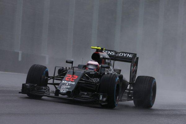 Jenson Button durante la carrera. Fuente: McLaren