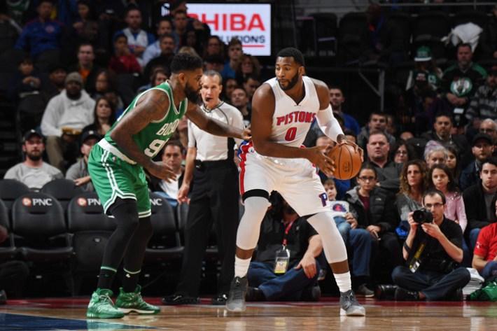 Andre Drummond se impuso bajo los tableros, capurando 18 rebotes. (Photo by Chris Schwegler/NBAE via Getty Images)
