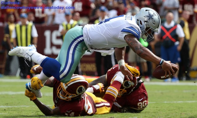LANDOVER, MD - SEPTEMBER 18: Quarterback Dak Prescott #4 of the Dallas Cowboys scores a third quarter touchdown past inside linebacker Mason Foster #54 of the Washington Redskins at FedExField on September 18, 2016 in Landover, Maryland. (Photo by Rob Carr/Getty Images)