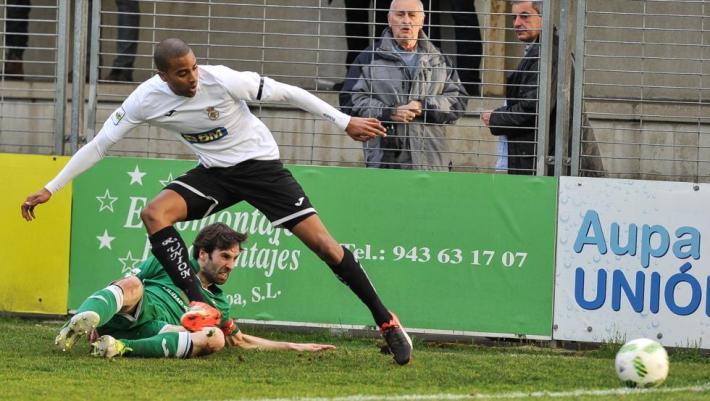 Thaylor en un encuentro con el Real Unión (Foto: Mundo Deportivo)