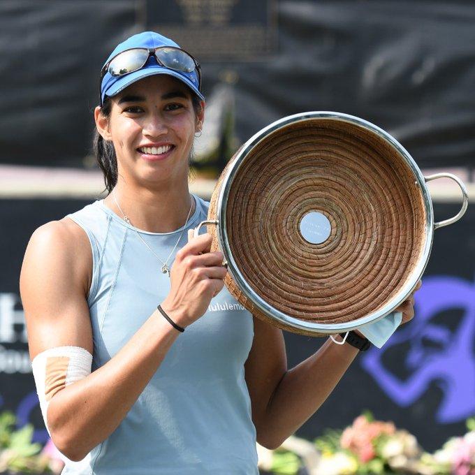 Astra Sharma Campeona Charleston