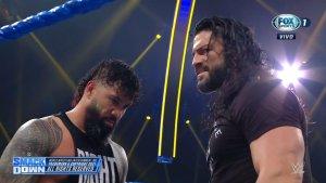 Roman Reigns llegó a poner orden en el main event, pero The Usos no pudieron conquistar los campeonatos.