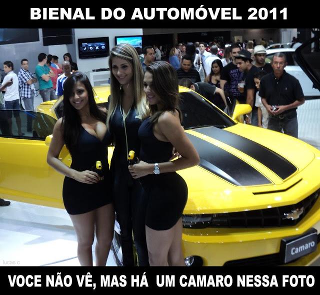 tres mulheres lindas e um carro
