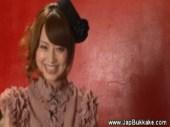 アダルト女優の吉沢明歩が笑顔で楽しそうにチンポを手コキとフェラチオでイカセるおまんこ動画無料