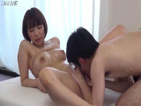 癒し系美巨乳お姉さんがぬるぬるローションを使って性交してるおまんこなセックス動画無料