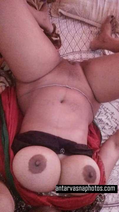 Madhu ki boobs aur chut ki photos