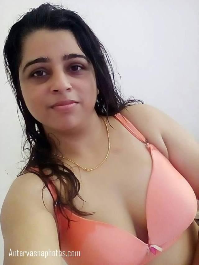 desi hot bhabhi ki innocent selfie