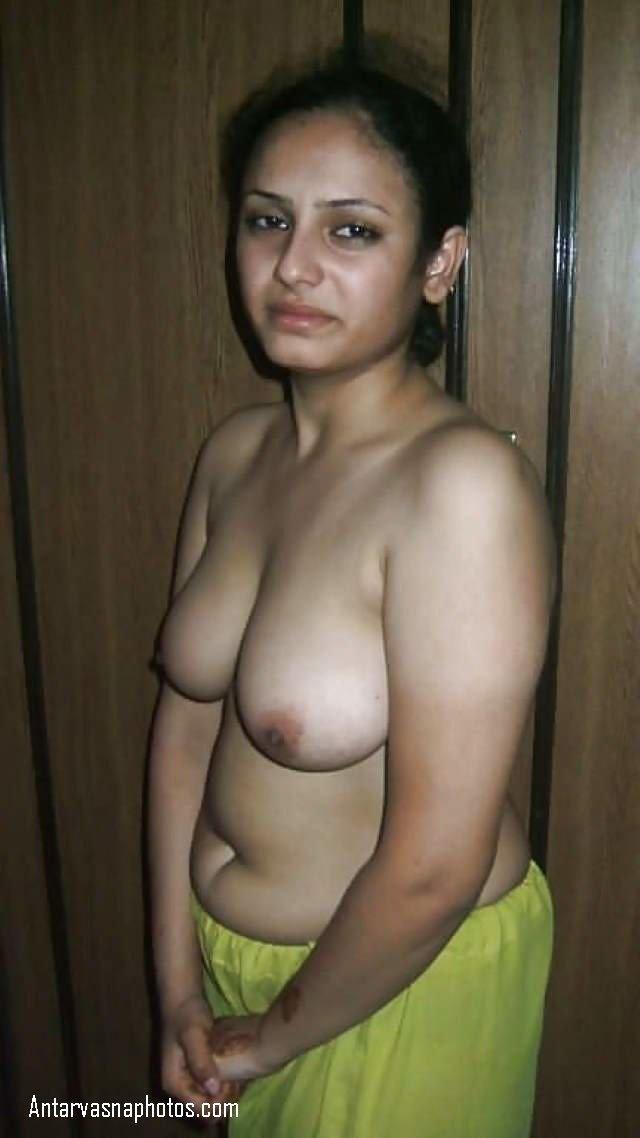 bathroom me bhabhi ko pakda