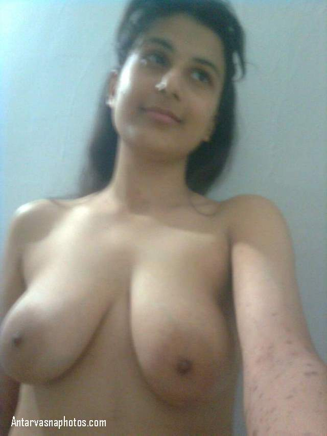 sexy girl ke latke hue big boobs