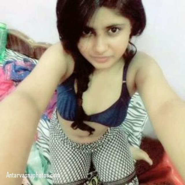 bra me khud ki selfie