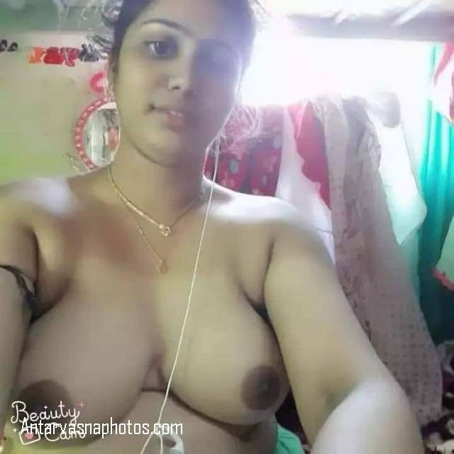 room me nude baithkar chat