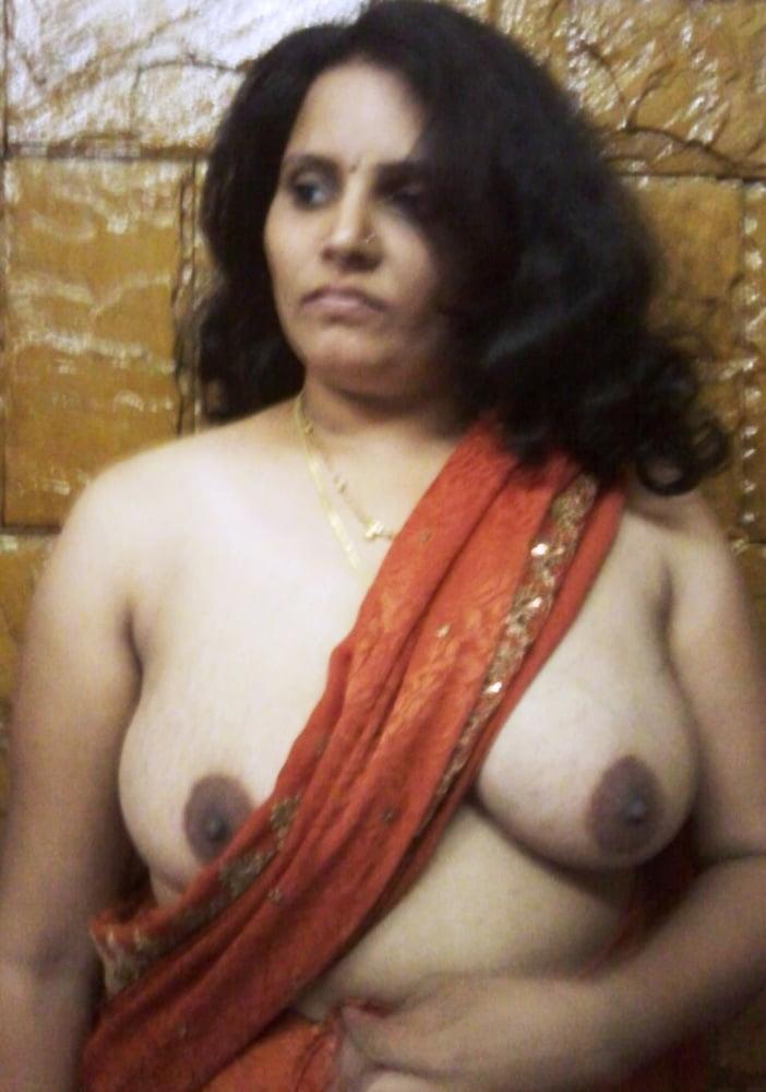 Aunty ki soft boobs ki photos