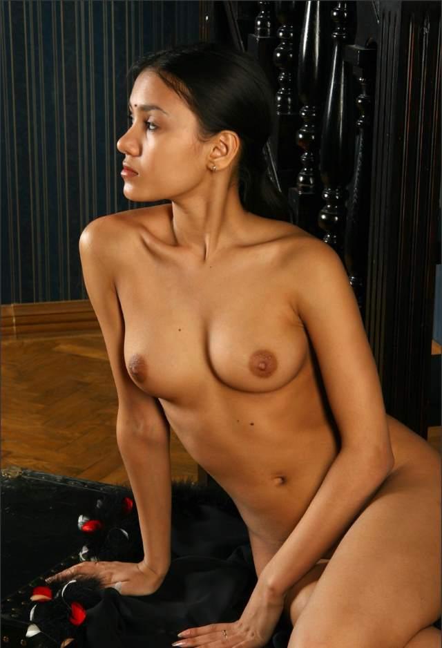 sexy desi porn model roothi hui