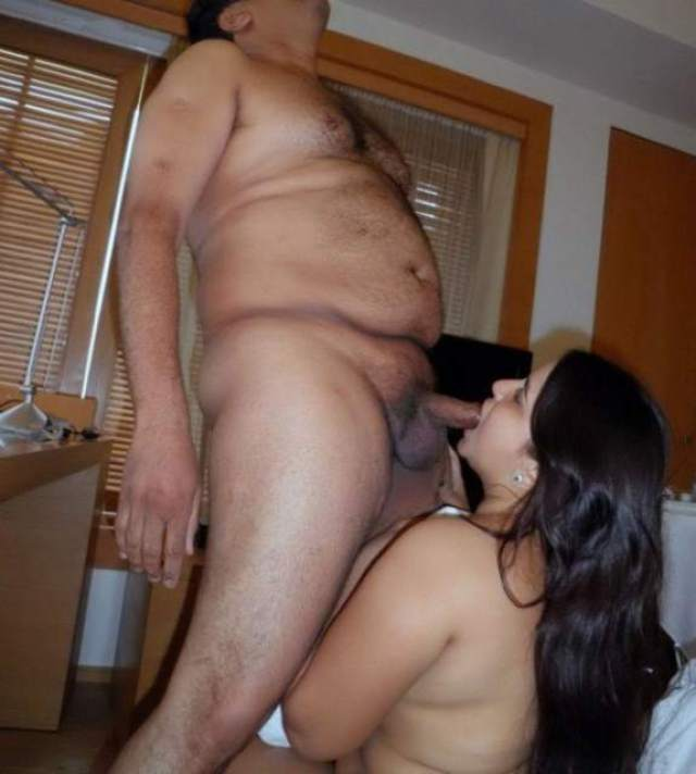indian sexy bhabhi ki blowjob