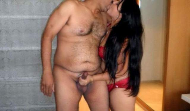 sexy bhabhi blowjob ko taiyaar