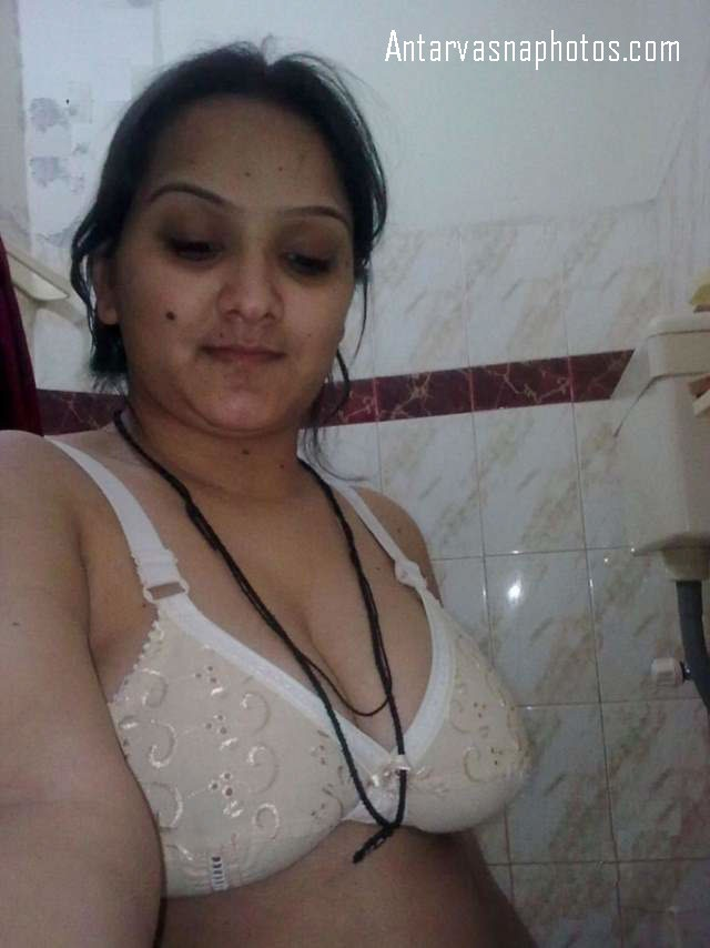bhabhi ke big boobs ki bathroom me pic