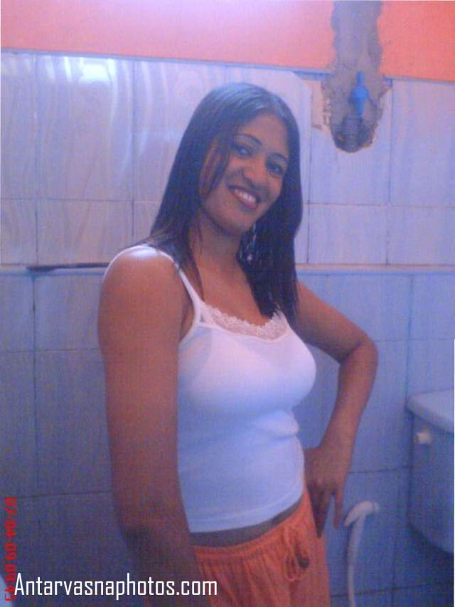 bathroom me sarika ki sexy smile