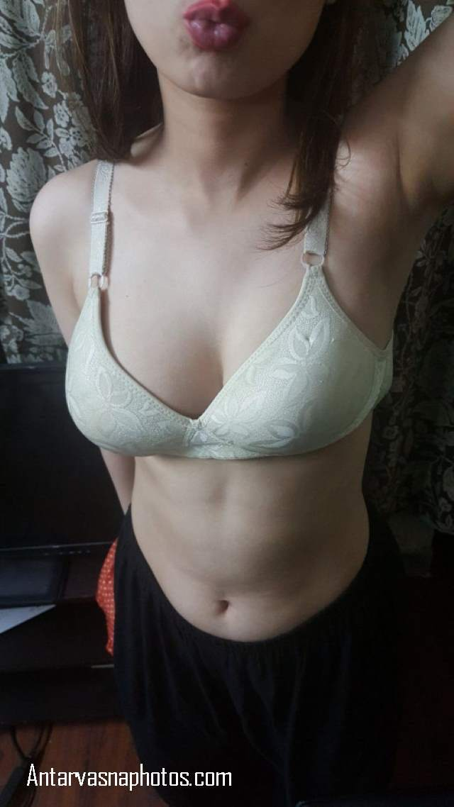 hot desi girl ki sexy bra