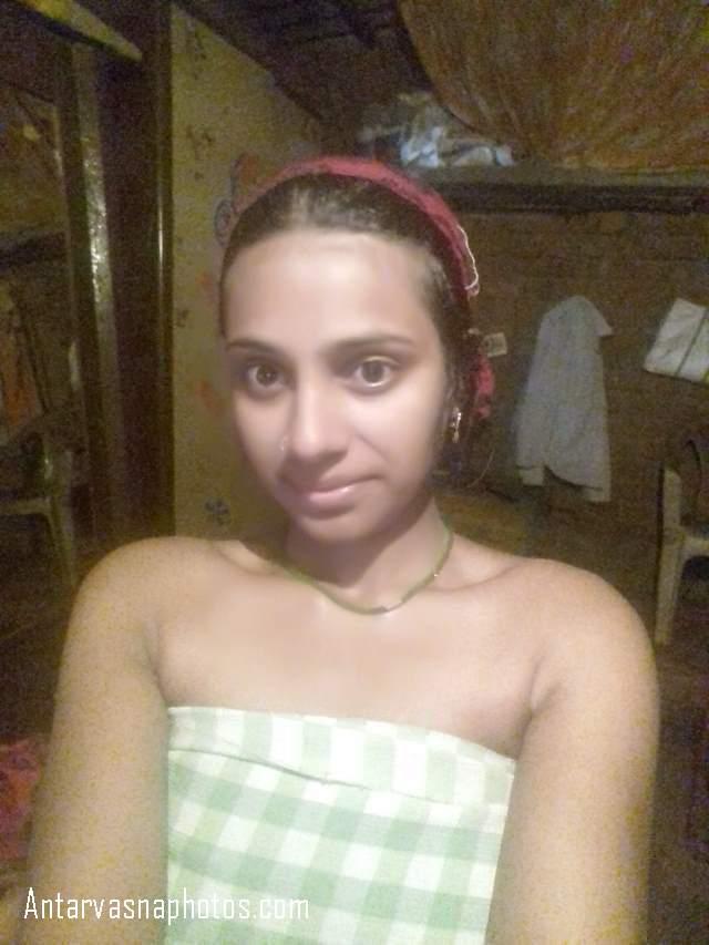 towel me lipti rukhsaar