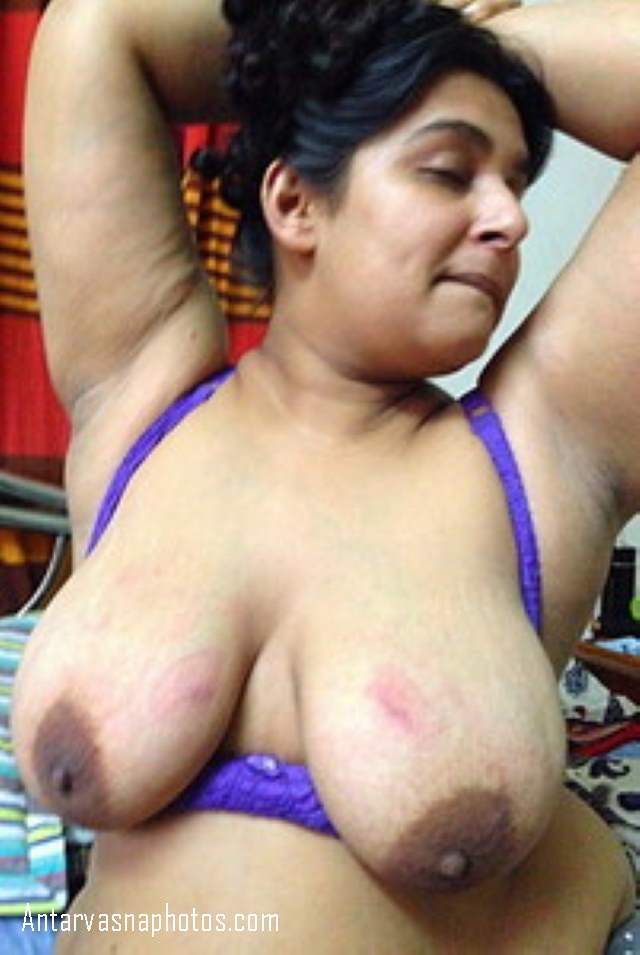 chachi ke big melons jaise boobs