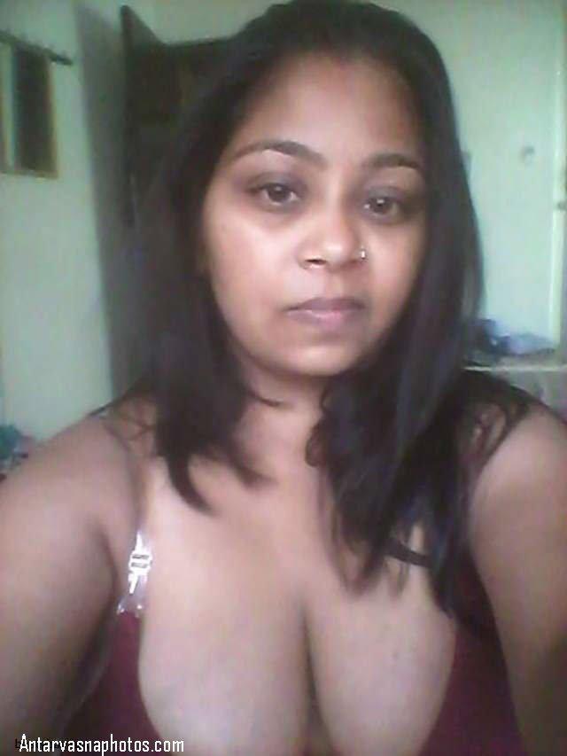 lover ke liye bra me photo