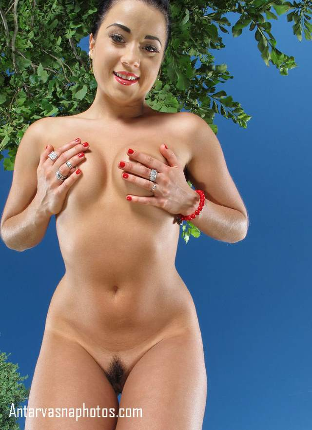 nude girl ke boobs ki hd photo