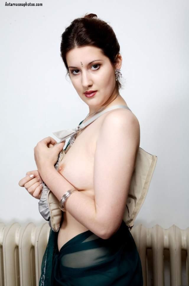blouse utarti hot bhabhi
