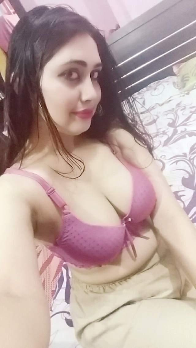 sexy figure wali punjabi girl