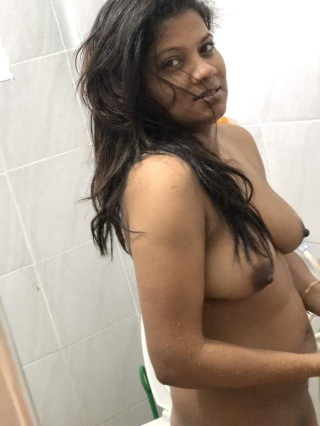 bhabhi ki shower me nude
