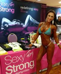 jacquelyn-sexystrong-booth