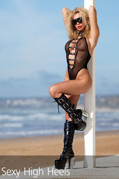 Francesca Felucci Beach Club Boots 06